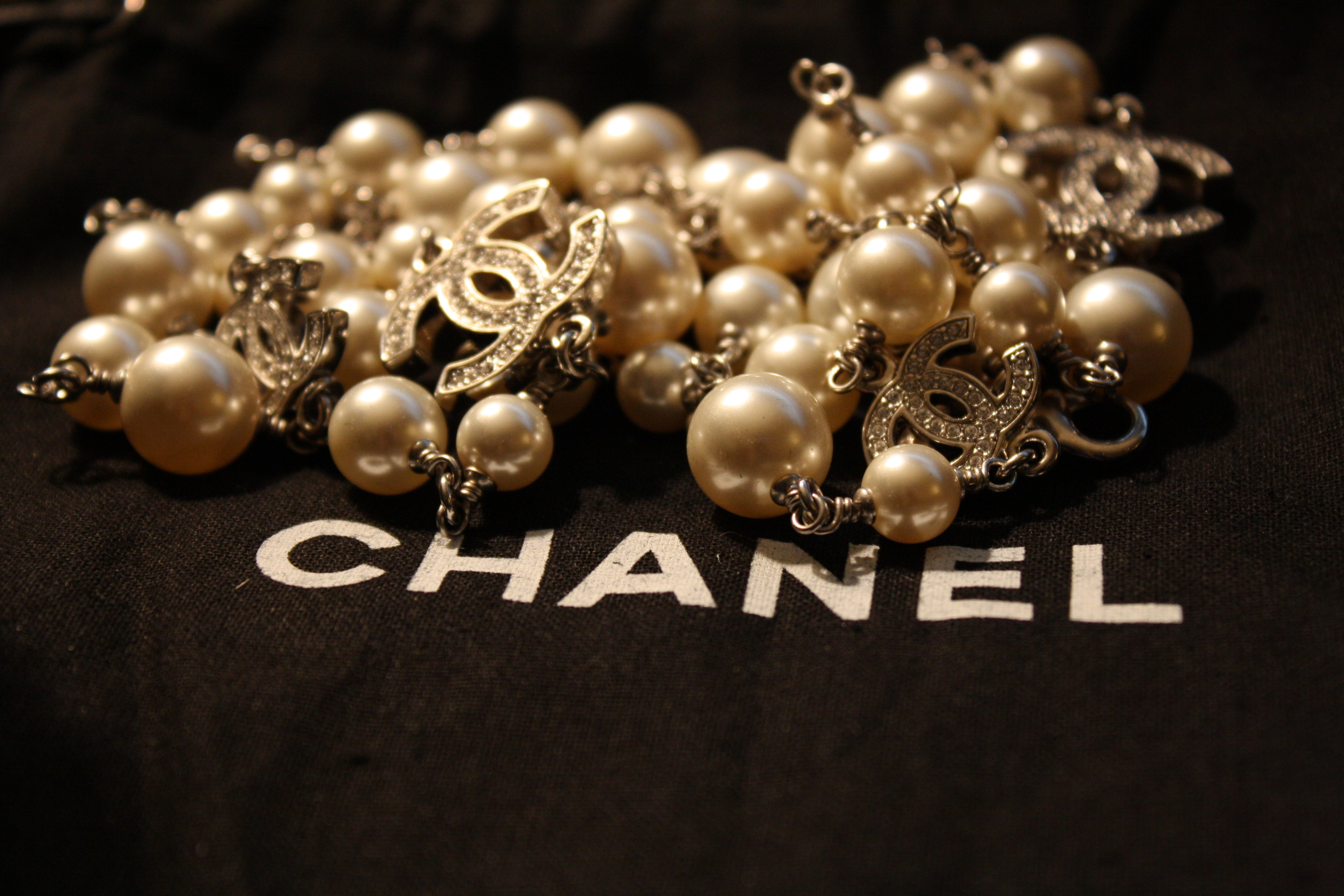 258f66cc17a86 Chanel Mother of Pearl Costume Necklace — The Shoulder Strap