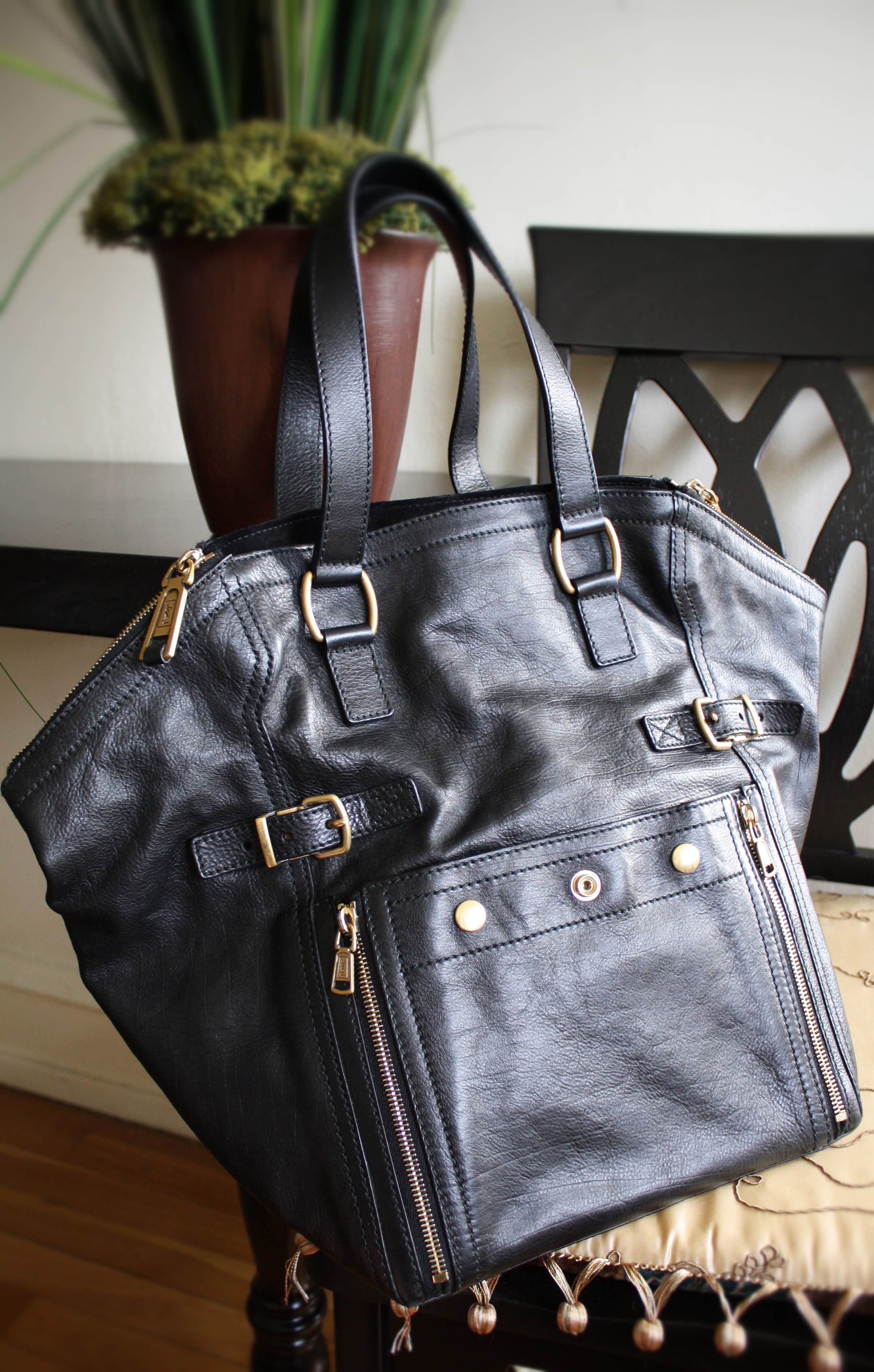2f155aac342e Yves Saint Laurent Downtown Bag in Black Leather — The Shoulder Strap